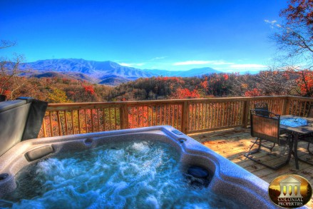 3 Bears Chalet - hottub view